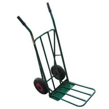 Carretilla con ruedas neumáticas