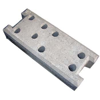 Base de hormigón para vallas móviles.